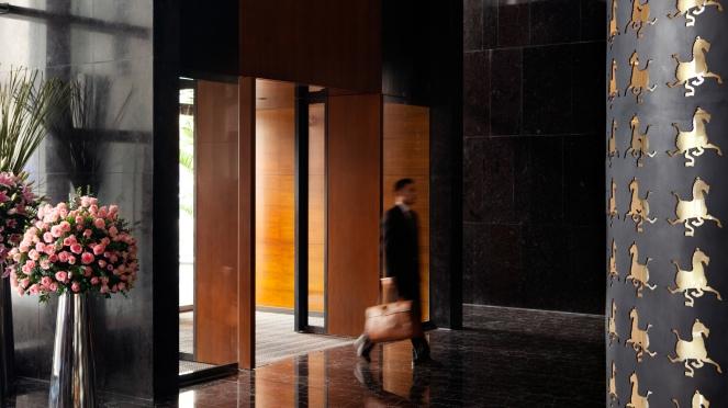 tlxtd-hotel-lobby-lobby-entrance-1680-945